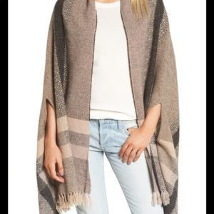 Wool Placed Plaid Cape Scarf